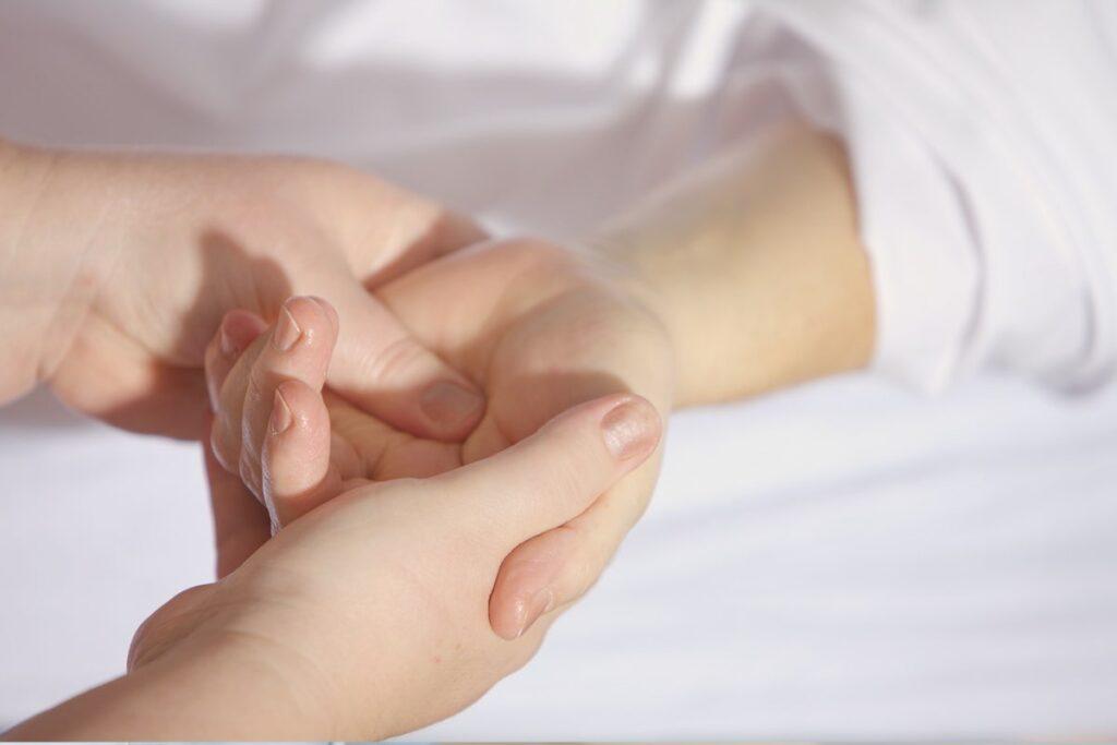 carpal-tunnel-symmtoms-heiden-orthopedics