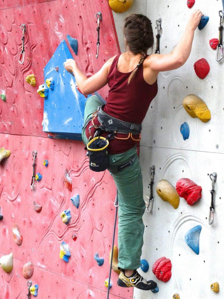 climbing-shoes-bunions-heiden-orthopedics